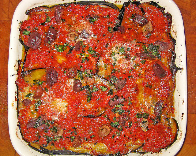 Włoskie potrawy i także lokalne mięso sezonowane
